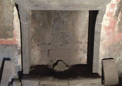 Sabbiatura camino in pietra